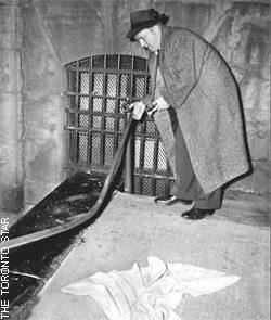 """Gwyn """"Jocko"""" Thomas at a crime scene"""
